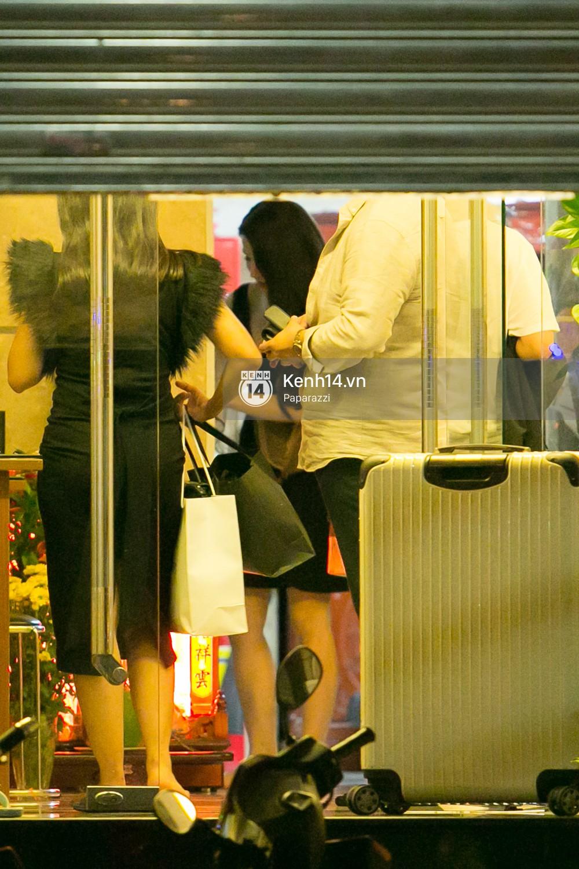 Sau đám cưới, Diệp Lâm Anh thay trang phục giản dị, lên xe 7 tỷ đồng về thẳng nhà chồng - Ảnh 11.