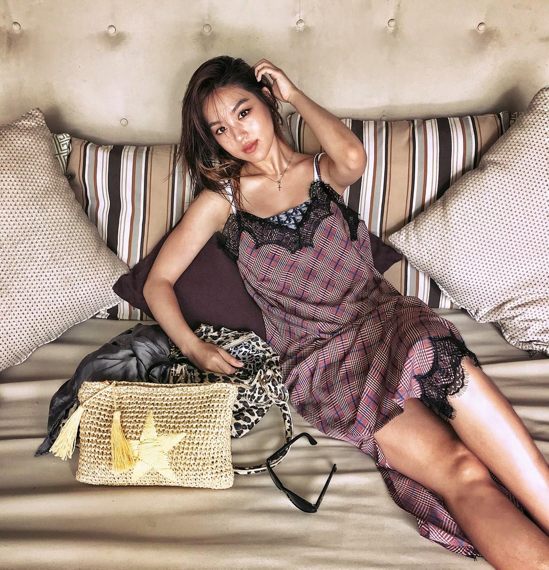 Sao nhí lột xác thành mỹ nhân nhà YG: Chỉ đóng vai phụ nhưng sống sang chảnh, suốt ngày du lịch, khoe đồ hiệu - Ảnh 19.