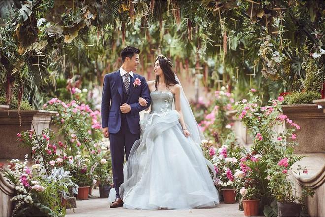 Những đám cưới cổ tích của dàn hot girl vạn người mê từng nổi đình nổi đám khắp Trung Quốc - Ảnh 1.