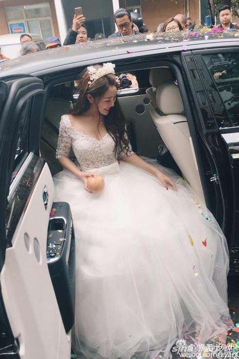 Những đám cưới cổ tích của dàn hot girl vạn người mê từng nổi đình nổi đám khắp Trung Quốc - Ảnh 16.