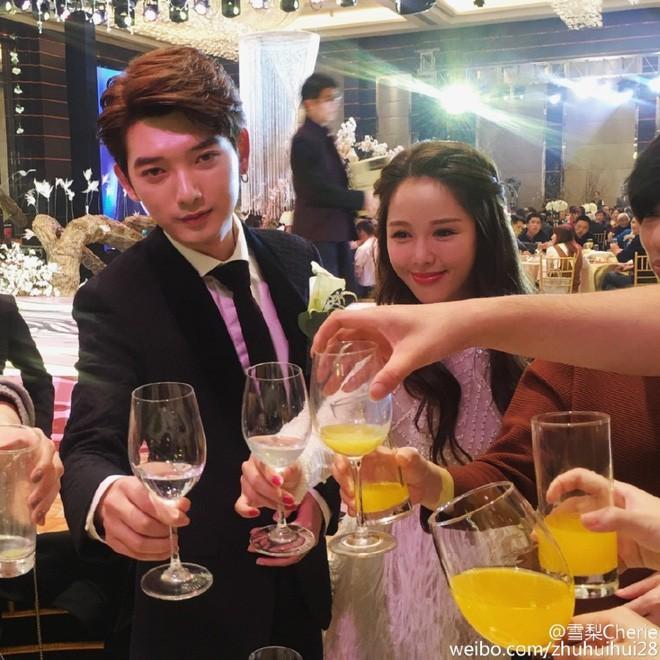 Những đám cưới cổ tích của dàn hot girl vạn người mê từng nổi đình nổi đám khắp Trung Quốc - Ảnh 18.