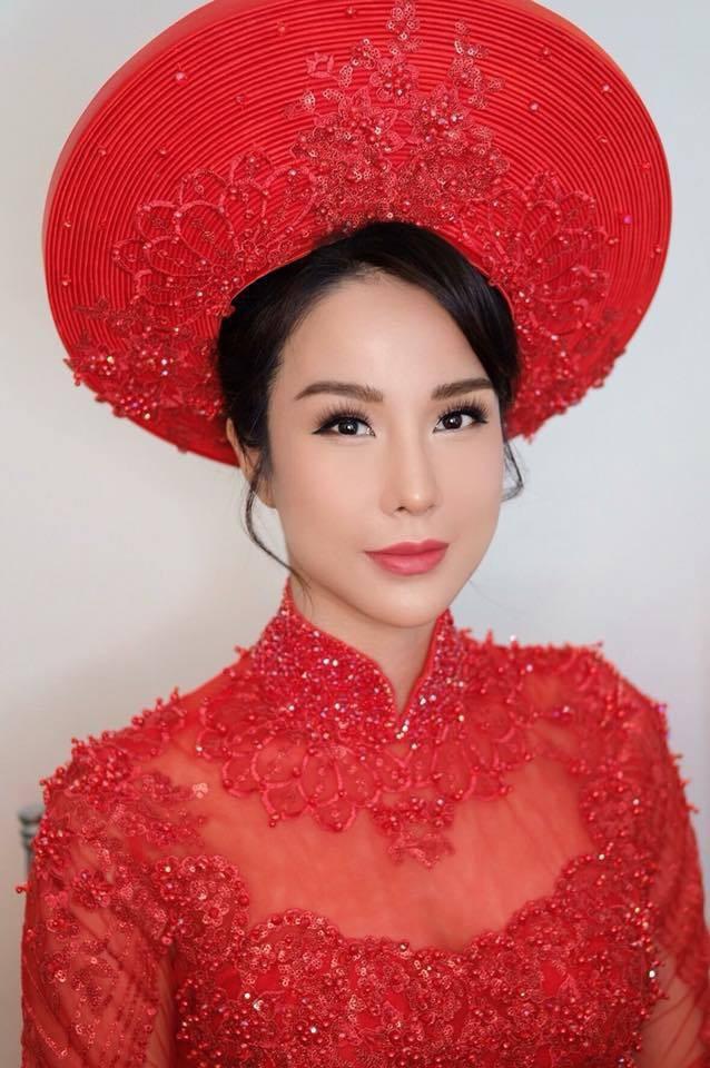 Nếu định chọn áo dài đỏ ngày ăn hỏi, hãy học tập Diệp Lâm Anh, HH Thu Thảo và Hà Tăng - Ảnh 3.