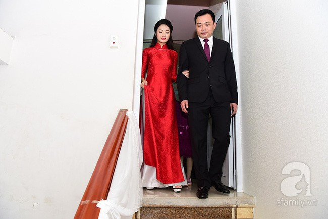 Nếu định chọn áo dài đỏ ngày ăn hỏi, hãy học tập Diệp Lâm Anh, HH Thu Thảo và Hà Tăng - Ảnh 9.