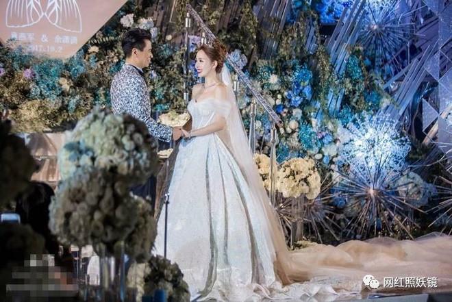 Những đám cưới cổ tích của dàn hot girl vạn người mê từng nổi đình nổi đám khắp Trung Quốc - Ảnh 10.