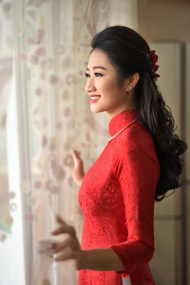 Nếu định chọn áo dài đỏ ngày ăn hỏi, hãy học tập Diệp Lâm Anh, HH Thu Thảo và Hà Tăng - Ảnh 10.