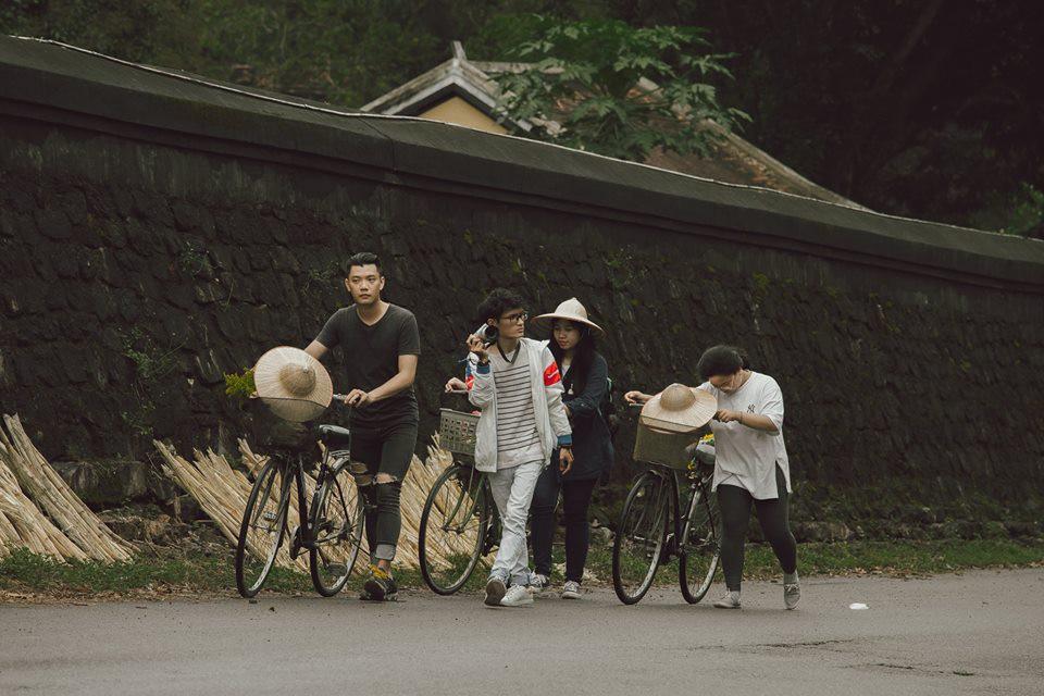 Cũng đi Huế - Đà Nẵng - Hội An mà nhóm bạn này có nguyên một bộ ảnh đẹp và nghệ như poster phim - Ảnh 13.