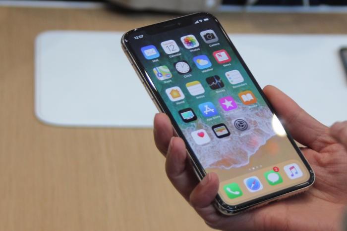 Mua tặng iPhone X để được gặp hotgirl quen qua mạng, chàng trai shock nặng khi thấy cô nàng ngoài đời - Ảnh 5.