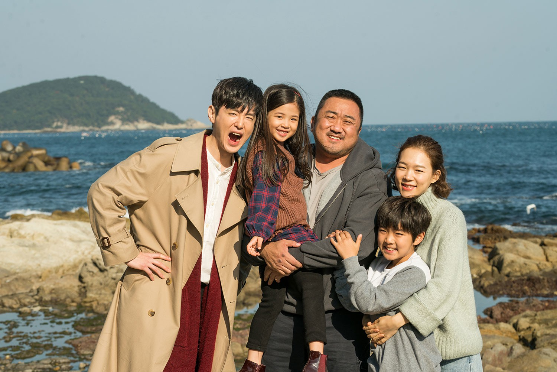 5 phim Hàn nổi bật ra rạp tháng Năm: Mang chuông đi đánh xứ người - Ảnh 4.