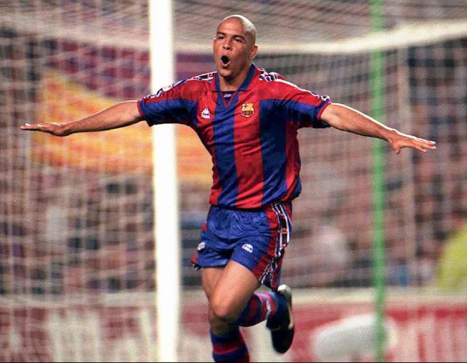 """20 năm trước, """"Người ngoài hành tinh"""" Ronaldo đang làm ngây ngất hàng triệu con tim - Ảnh 1."""
