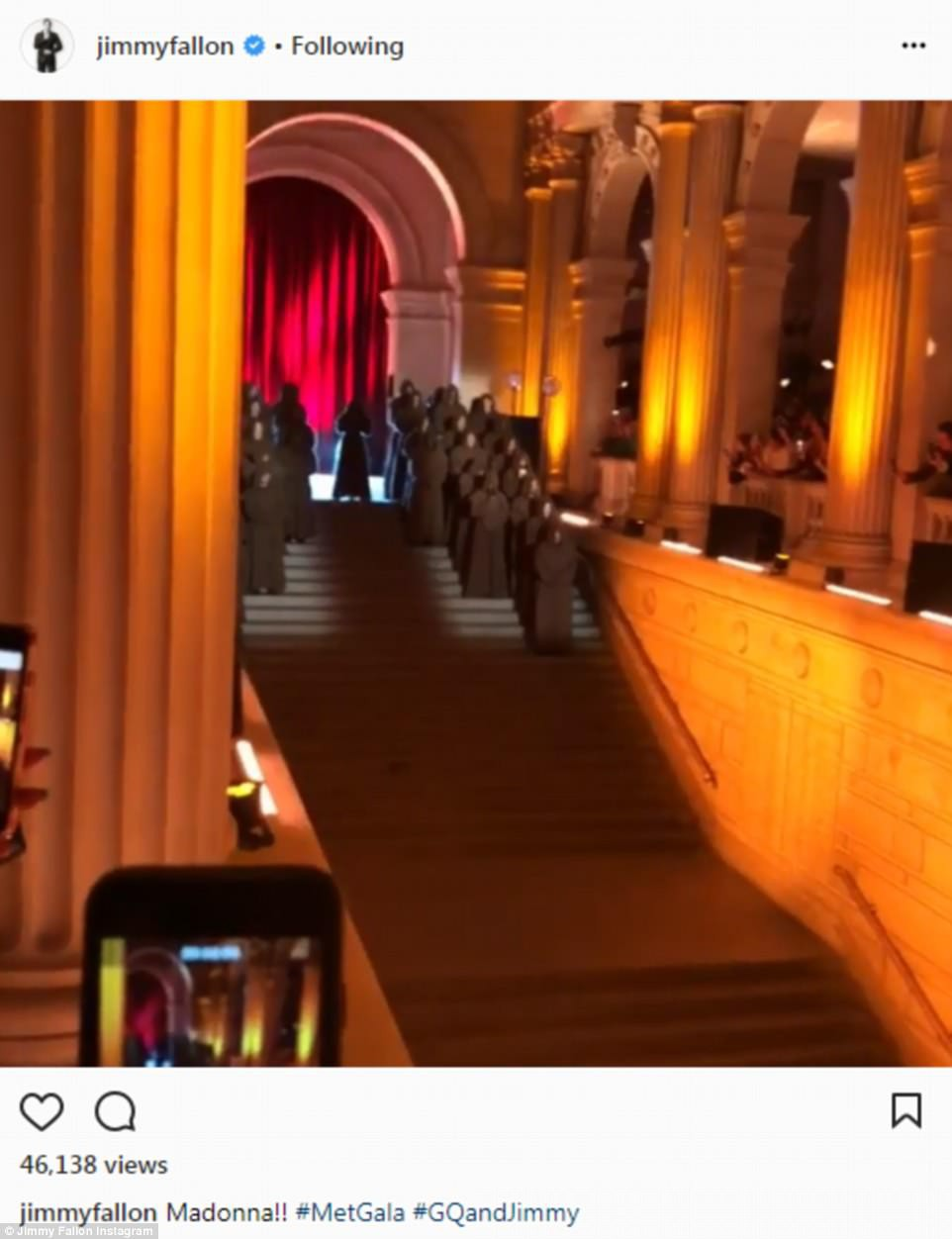 Met Gala 2018: Các khách mời phấn khích trước tiết mục Nấc thang lên thiên đường của Madonna - Ảnh 3.