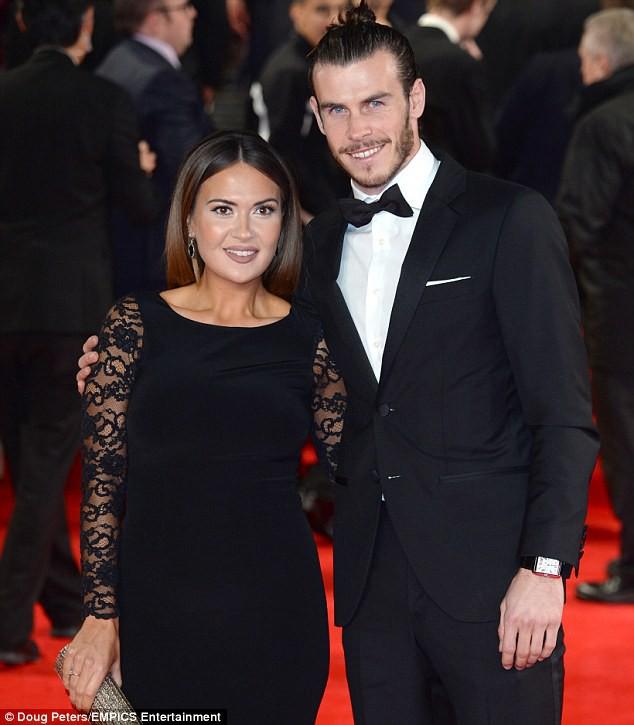 Gareth Bale cho con trai mới sinh mặc áo Champions League - Ảnh 2.