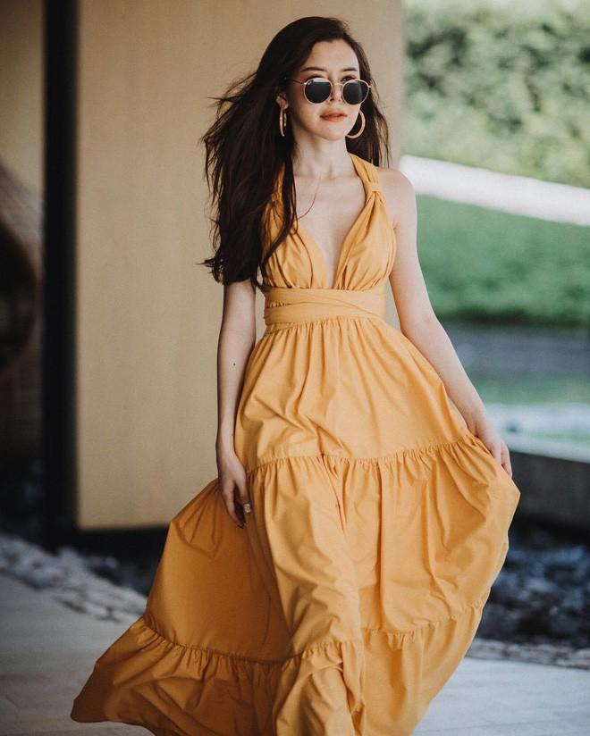 Mùa hè chọn váy dáng dài vừa xinh vừa chống nắng, nhưng diện sao cho đẹp thì đây là 5 bí kíp bạn cần bỏ túi - Ảnh 1.