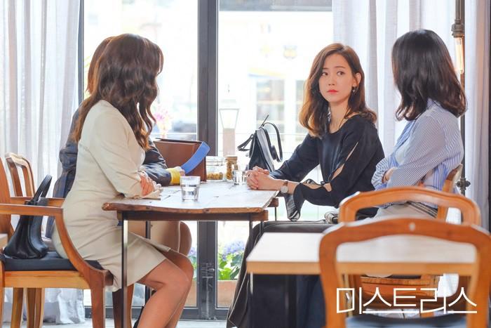 Lí giải sức hút của Những Cô Nhân Tình, phim 19+ đã xem là khó mà dứt ra của Han Ga In - Ảnh 5.
