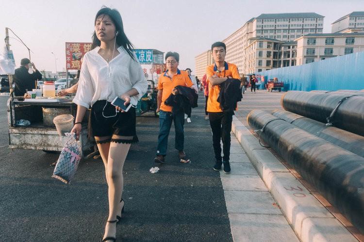Mục sở thị kinh đô iPhone ở Trung Quốc: Tưởng là nhà máy thôi nhưng hóa ra thứ gì cũng có! - Ảnh 8.