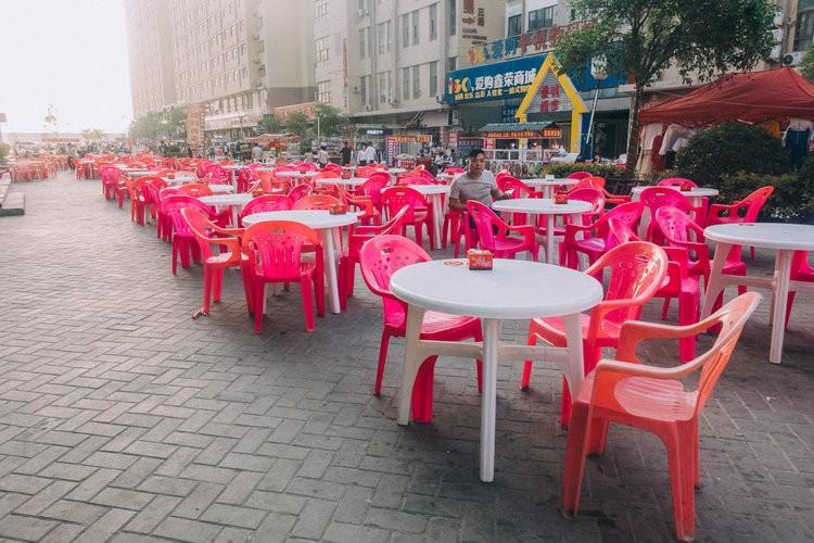 Mục sở thị kinh đô iPhone ở Trung Quốc: Tưởng là nhà máy thôi nhưng hóa ra thứ gì cũng có! - Ảnh 17.