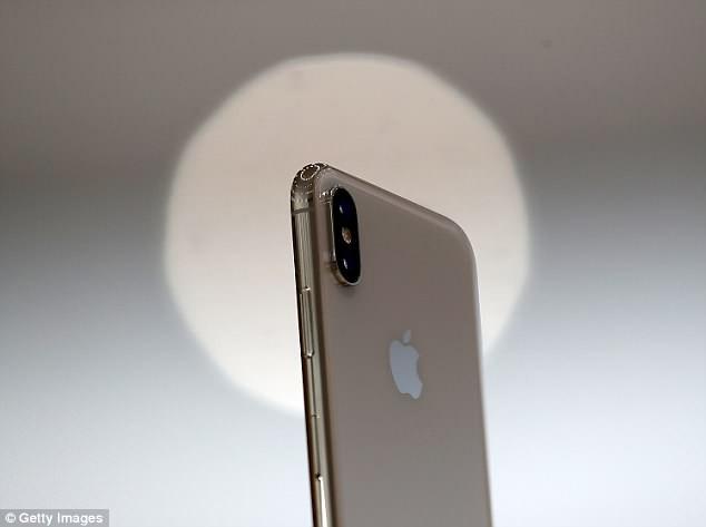 Liệu iPhone X Plus sẽ có tận 3 camera ở mặt sau? - Ảnh 1.