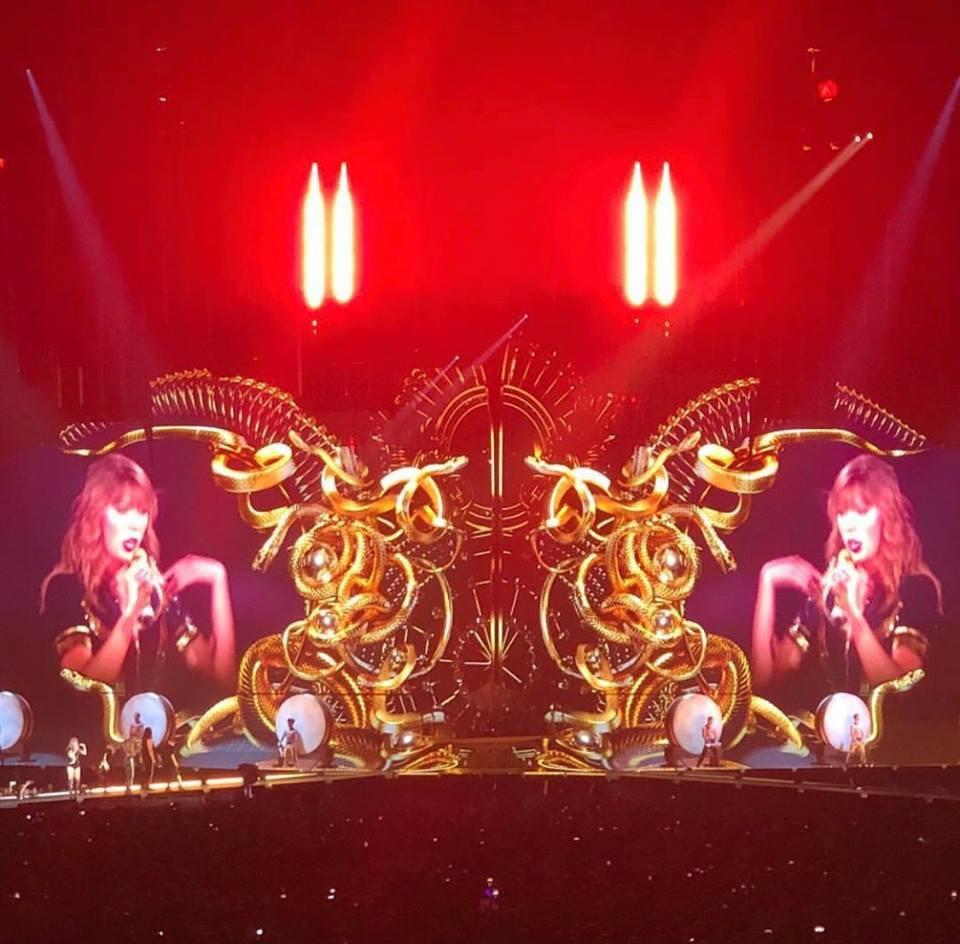 Taylor Swift chính thức khởi động tour diễn khủng: Rắn to, rắn bé, rắn khắp mọi nơi! - Ảnh 4.