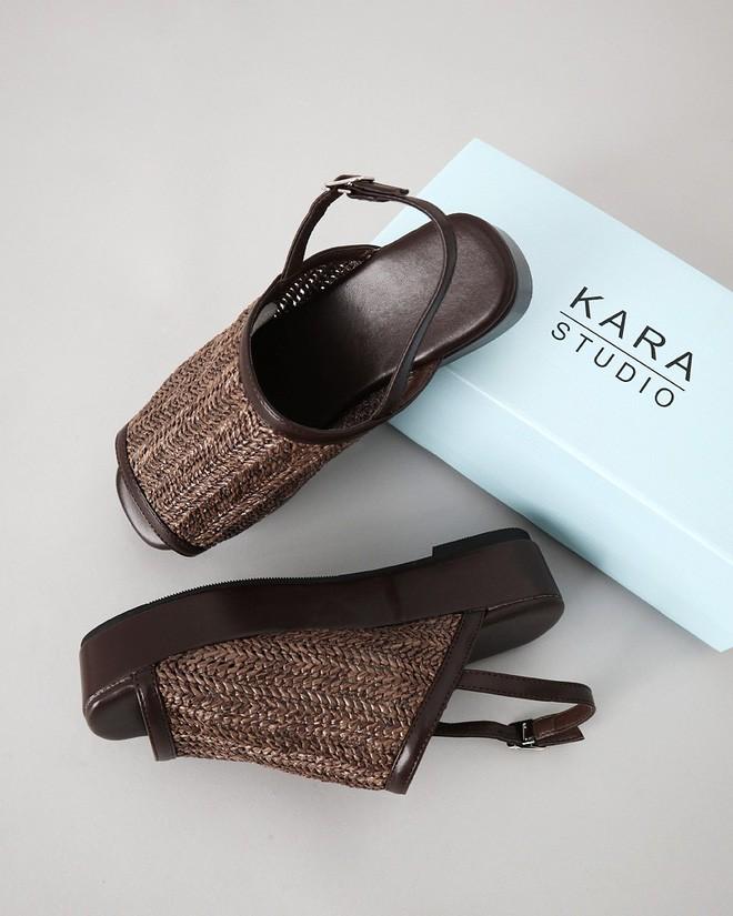 4 kiểu sandals hè vừa thoáng chân lại vừa giúp bạn khắc phục nhiều nhược điểm - Ảnh 19.