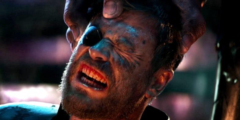 Hoá ra Thor không kết liễu Thanos ngay lập tức trong Infinity War là có lý do - Ảnh 3.