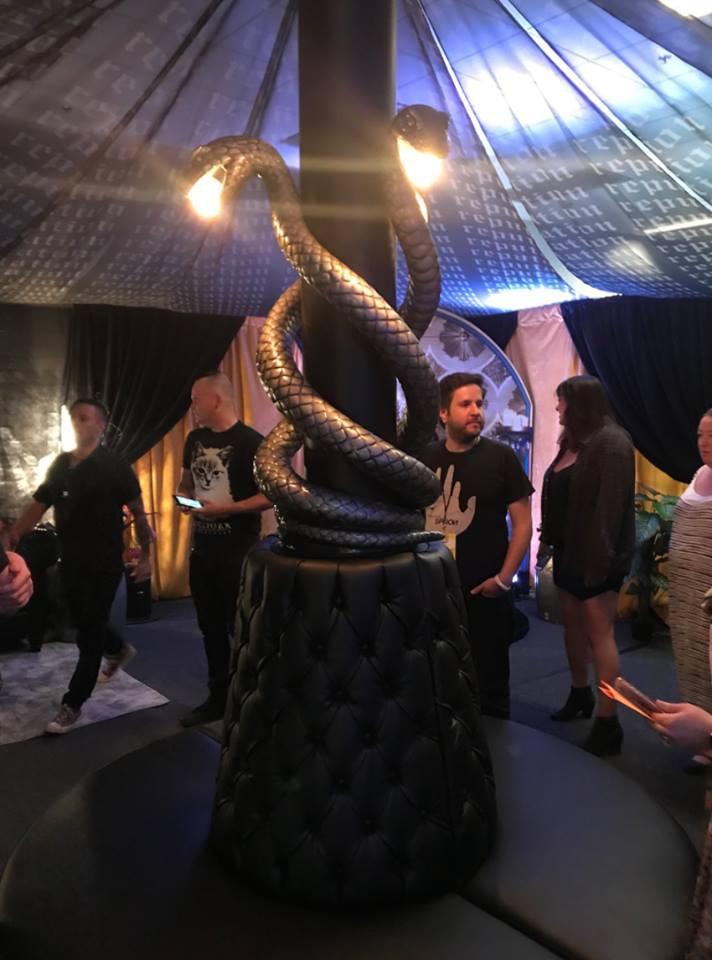 Taylor Swift chính thức khởi động tour diễn khủng: Rắn to, rắn bé, rắn khắp mọi nơi! - Ảnh 18.