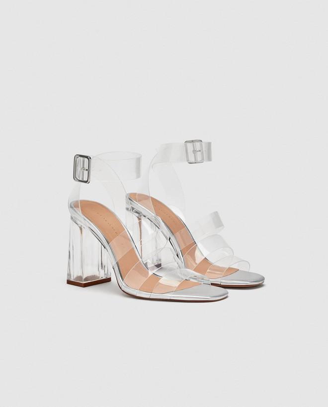 4 kiểu sandals hè vừa thoáng chân lại vừa giúp bạn khắc phục nhiều nhược điểm - Ảnh 4.