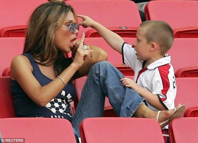 Nổi tiếng, giàu có nhưng cặp vợ chồng Victoria - Beckham vẫn có những nguyên tắc dạy con khắt khe đến kinh ngạc - Ảnh 7.
