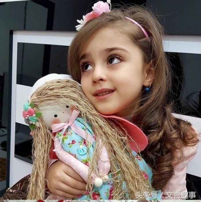Thiên thần nhỏ người Iran khiến cư dân mạng Trung Quốc sửng sốt vì giống mỹ nữ Tân Cương Địch Lệ Nhiệt Ba - Ảnh 16.