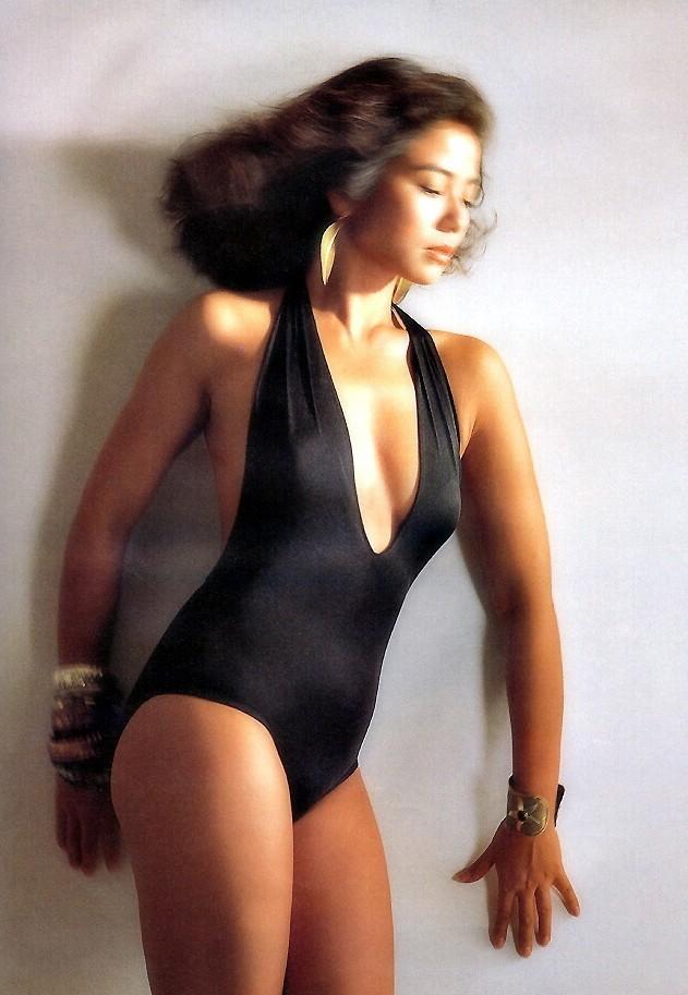 Vẻ đẹp rạng rỡ và khó tin của Marilyn Monroe Hồng Kông Chung Sở Hồng ở tuổi 57 - Ảnh 7.