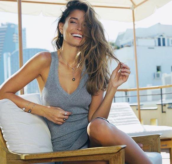 Sao trẻ Barca lên xe hoa với người mẫu xinh đẹp Israel - Ảnh 7.