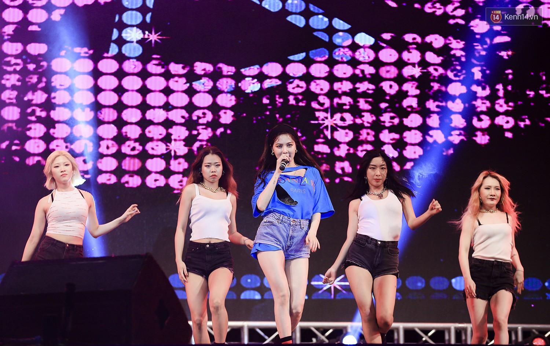 K-Food Fair 2018: Highlight bất ngờ diễn lại hit từ thời còn là B2ST, fanchant nổi da gà! - Ảnh 17.