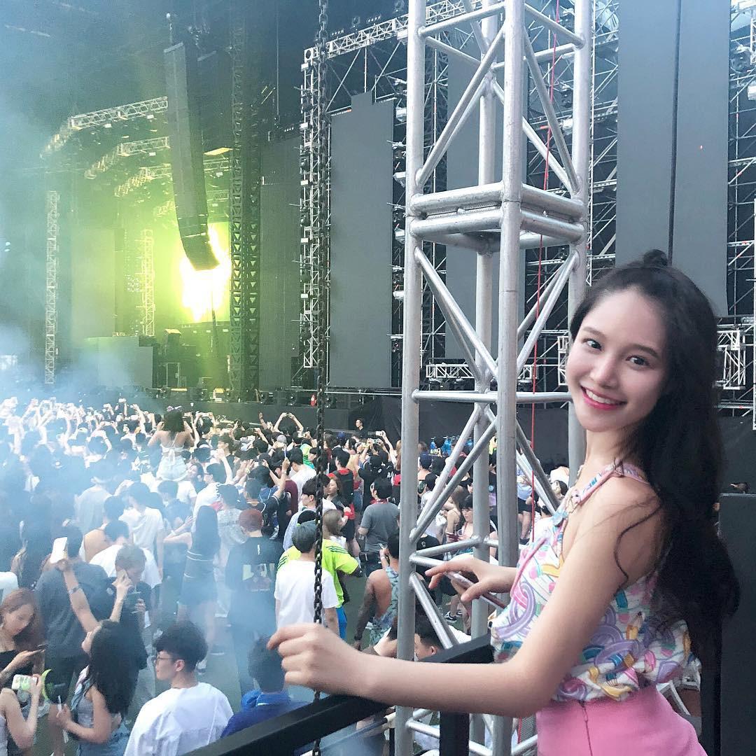 Ngắm dàn gái xinh khuấy đảo lễ hội âm nhạc điện tử tầm cỡ thế giới tại Hàn - Ảnh 3.