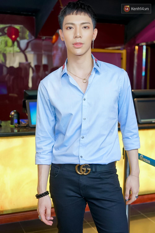 Jun Vũ bày chiêu trả thù bạn trai quái dị cho Hoàng Yến Chibi trong MV mới - Ảnh 6.