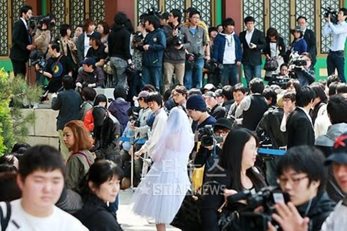Top đám cưới có dàn khách mời khủng nhất xứ Hàn: Song Song lép vế trước Jang Dong Gun, Lee Byung Hun mời sao Hollywood - Ảnh 11.