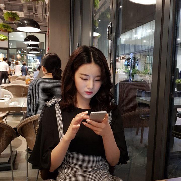 Khoảnh khắc cười ngọt lịm tim của nữ sinh Hàn Quốc khiến dân tình phải truy lùng ngay profile - Ảnh 4.