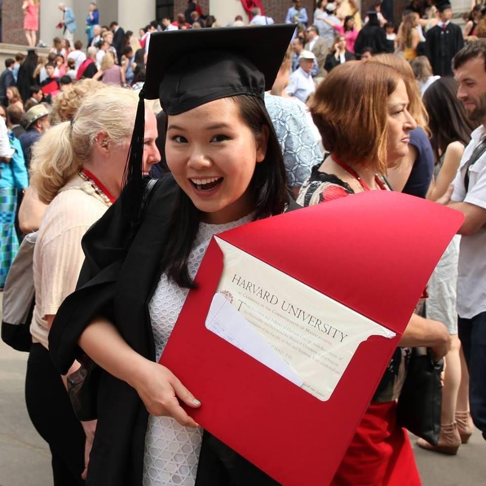 Viết luận về lần đầu mặc áo ngực, nữ sinh Việt trúng tuyển vào Đại học Harvard - Ảnh 1.