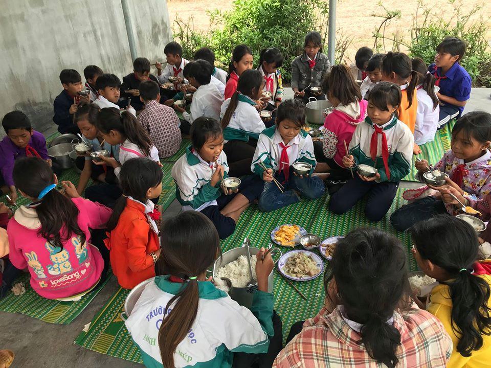 Hành trình của nhóm bạn trẻ về các điểm trường ở vùng núi cao IA-Yeng: