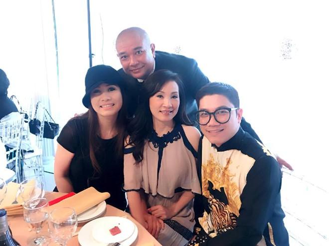 Con gái cưới ở Mỹ, nghệ sĩ Hồng Vân bị cảm nặng không thể tham dự - Ảnh 4.