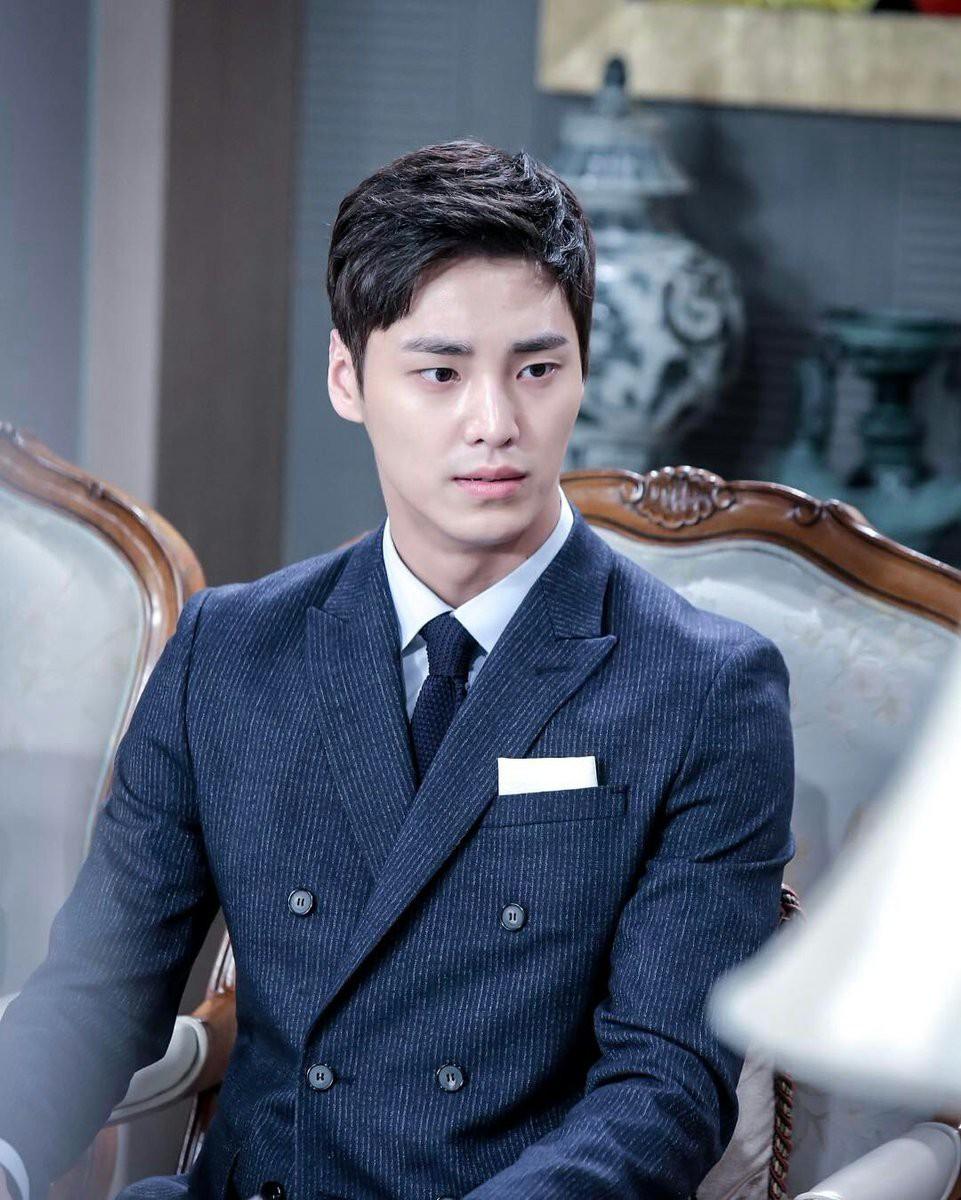 Thư Ký Kim: Ngoài Park Min Young, Park Seo Joon còn có dàn sao cực khủng - Ảnh 26.
