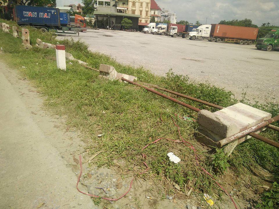 Vụ tài xế taxi tử vong bên đường: Nạn nhân được xác định bị sát hại - Ảnh 2.