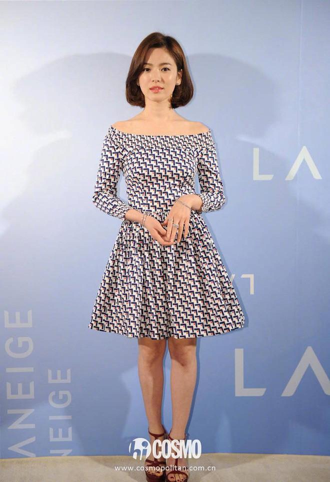 Song Hye Kyo trung thành diện một kiểu váy đơn giản trong nhiều năm - Ảnh 11.