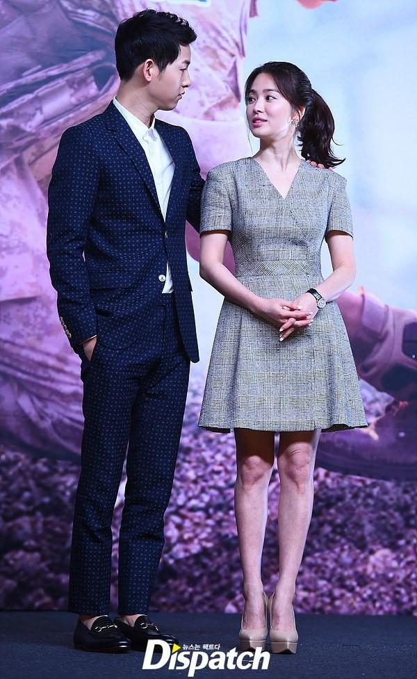 Song Hye Kyo trung thành diện một kiểu váy đơn giản trong nhiều năm - Ảnh 9.
