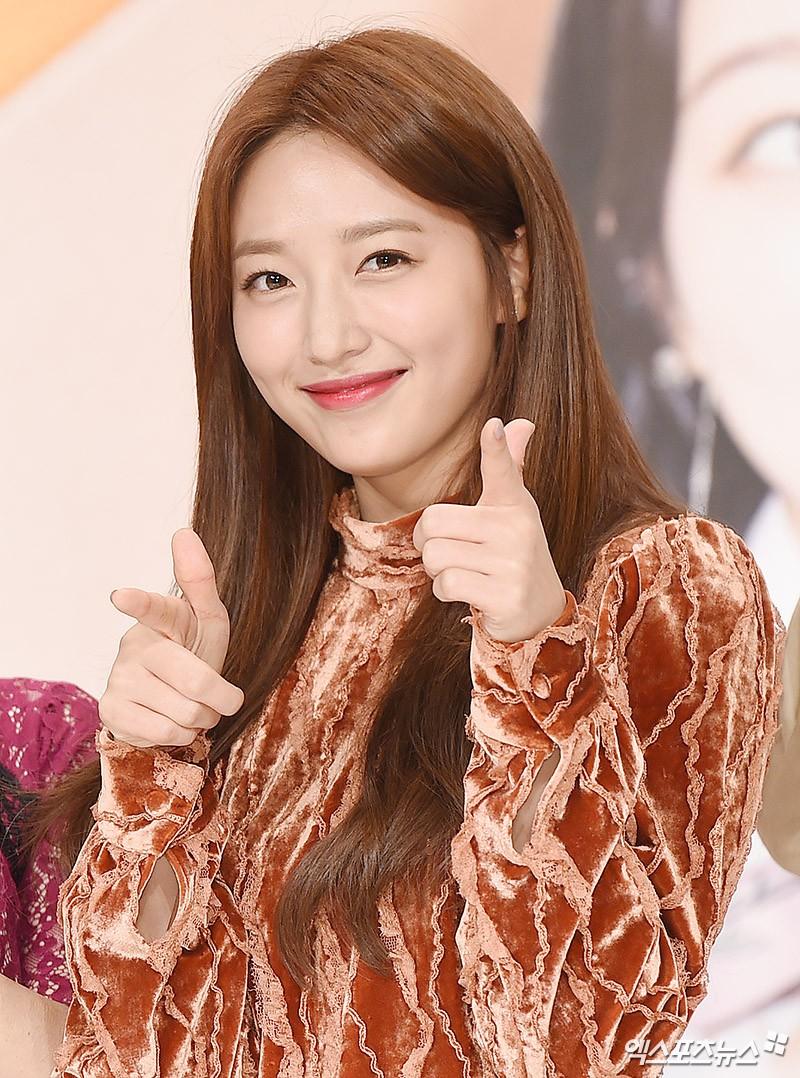Thư Ký Kim: Ngoài Park Min Young, Park Seo Joon còn có dàn sao cực khủng - Ảnh 43.
