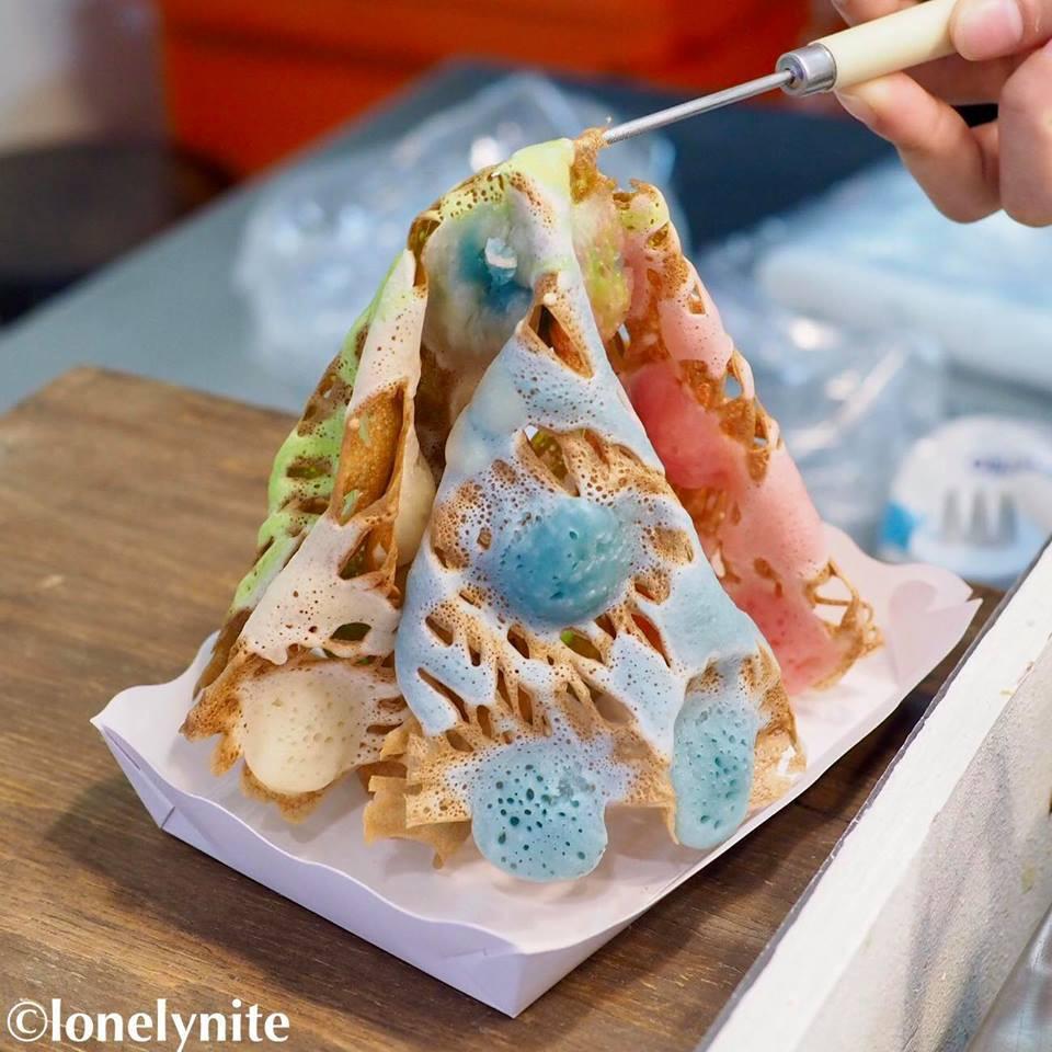 Món bánh gì của Thái Lan mà trông cứ như một ngọn tháp đầy màu sắc thế kia? - Ảnh 5.
