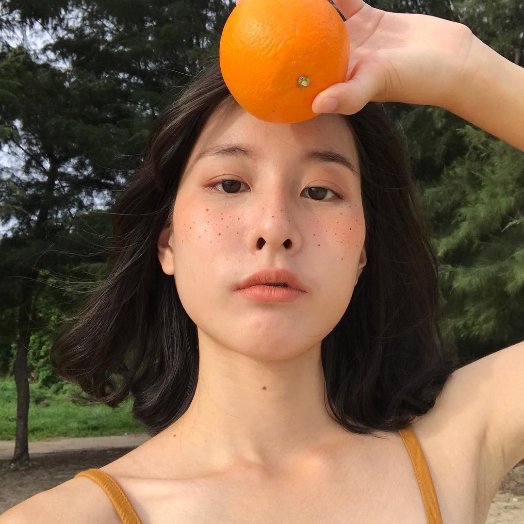 6 điều nàng da dầu nên làm khi chăm sóc da mùa hè để hạn chế mụn ghé thăm - Ảnh 1.