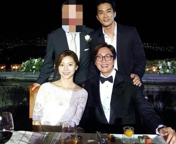 Top đám cưới có dàn khách mời khủng nhất xứ Hàn: Song Song lép vế trước Jang Dong Gun, Lee Byung Hun mời sao Hollywood - Ảnh 20.