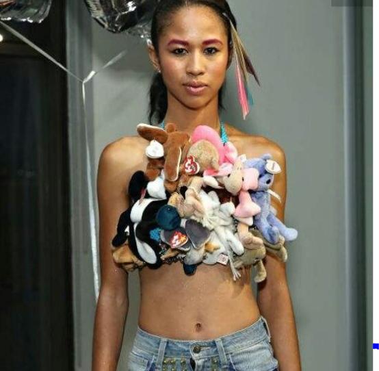 Lạ nhưng không cool: Những ý tưởng điên rồ xứng danh tội ác thời trang - Ảnh 15.