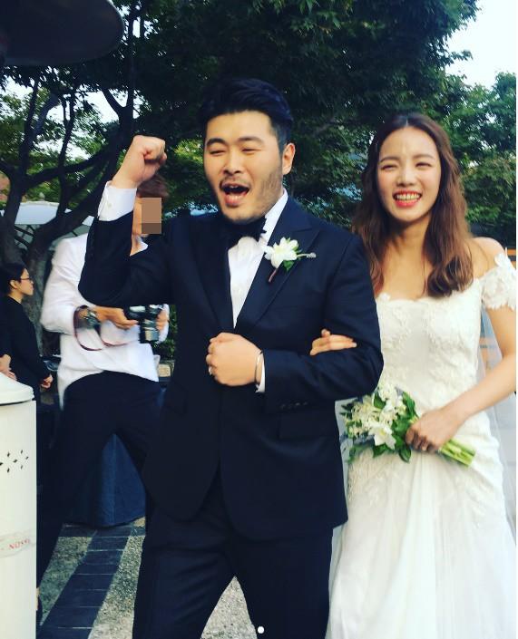 Top đám cưới có dàn khách mời khủng nhất xứ Hàn: Song Song lép vế trước Jang Dong Gun, Lee Byung Hun mời sao Hollywood - Ảnh 25.