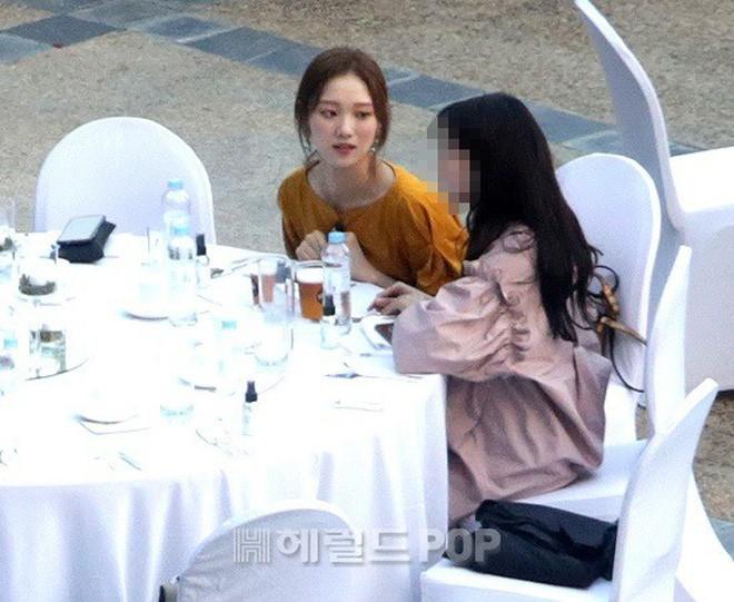 Top đám cưới có dàn khách mời khủng nhất xứ Hàn: Song Song lép vế trước Jang Dong Gun, Lee Byung Hun mời sao Hollywood - Ảnh 27.