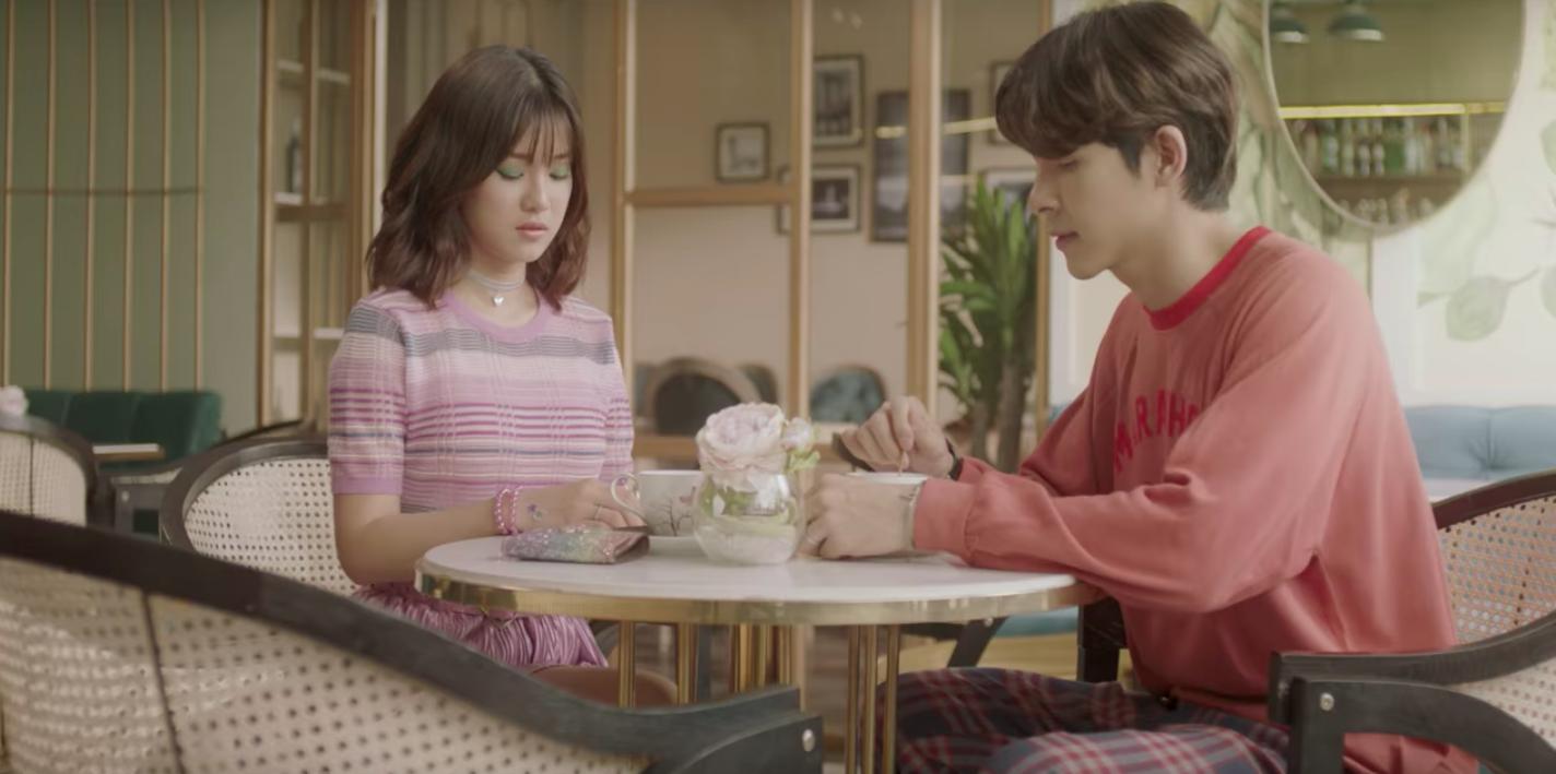 Nam chính trong MV mới của Hoàng Yến Chibi: Vừa đẹp trai, cao ráo như người mẫu lại còn ôm luôn cả vị trí giám đốc sáng tạo - Ảnh 2.