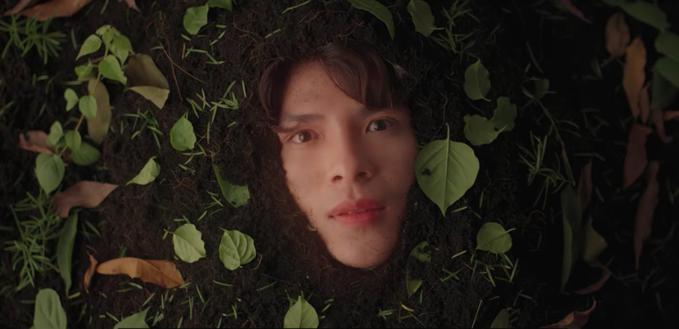 Nam chính trong MV mới của Hoàng Yến Chibi: Vừa đẹp trai, cao ráo như người mẫu lại còn ôm luôn cả vị trí giám đốc sáng tạo - Ảnh 4.